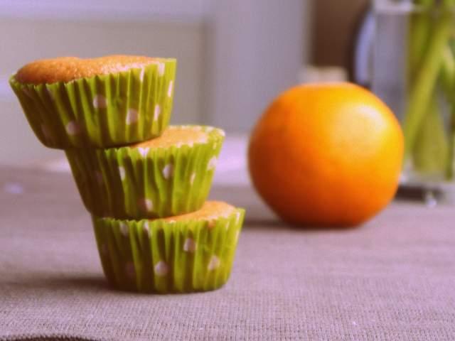 magdalenas de naranja y canela