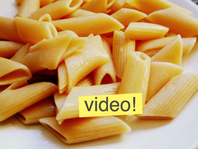 C mo cocer pasta y que quede bien fideos con manteca for Cocinar noodles
