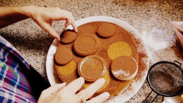 como decorar una torta facil imagui