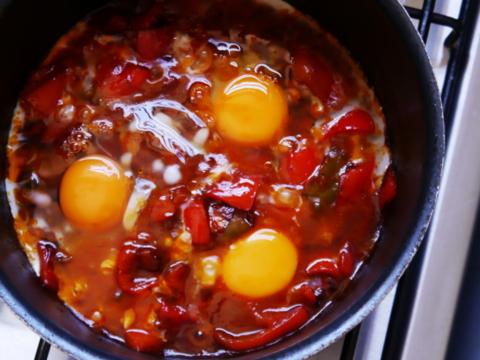 huevos al plato - huevada