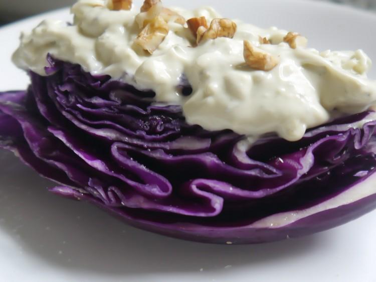 ensalada de repollo con roquefort
